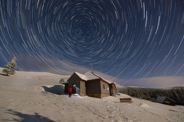 cabana-canaia-star-trails-daniel-baltat